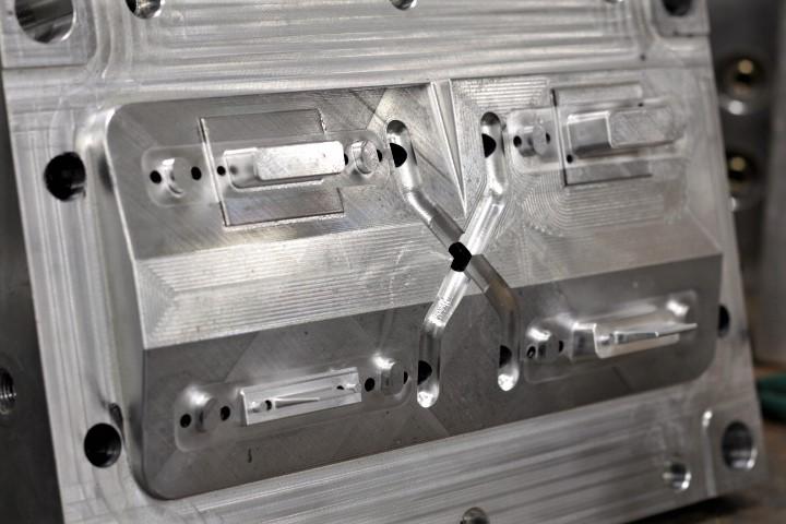4 Cavity Injection Mold